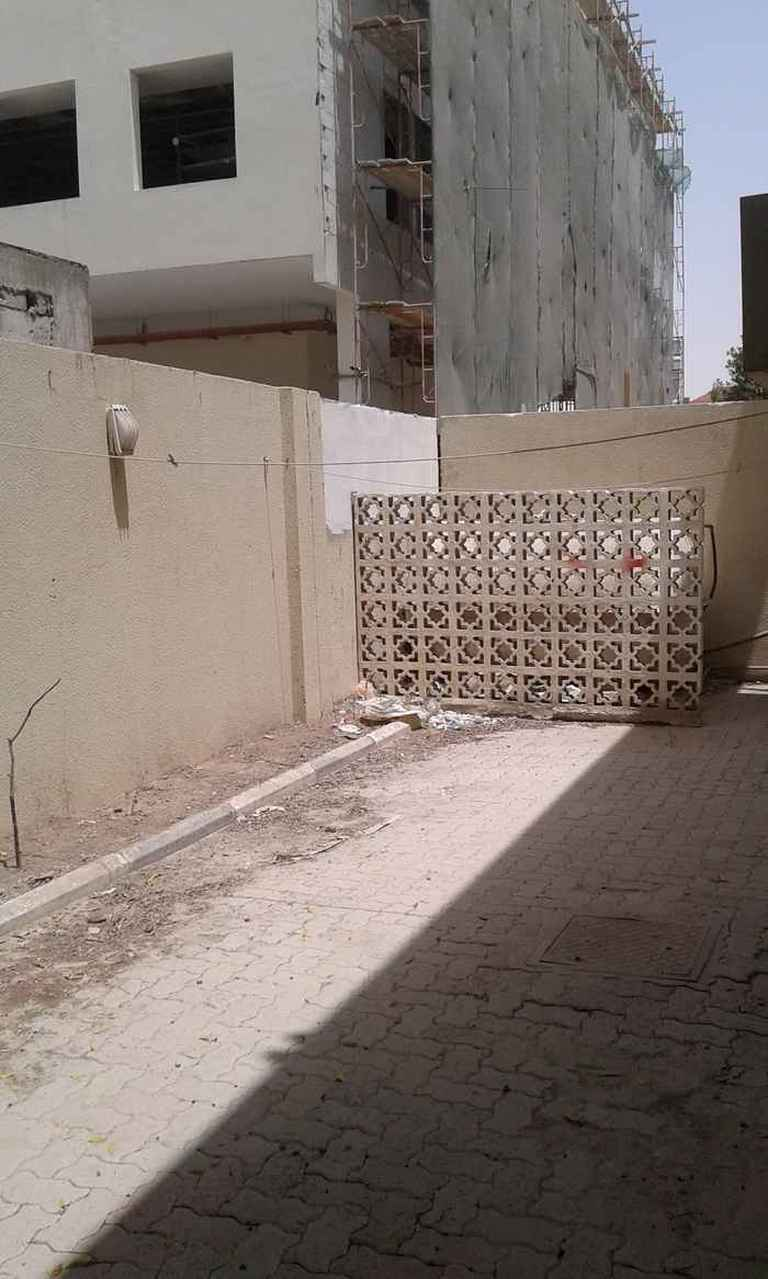 An Unfurnished Compound Villa For Rent On D-Ring Road.